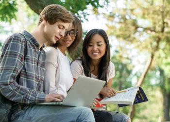 Chromebook VS Laptop For College